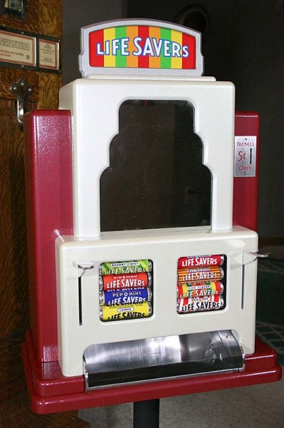 Finished Prop - A Candy Machine That Never Existed