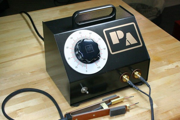 This Home Resistance Soldering Rig Can Deliver Over 350 Watts of Pinpoint Power
